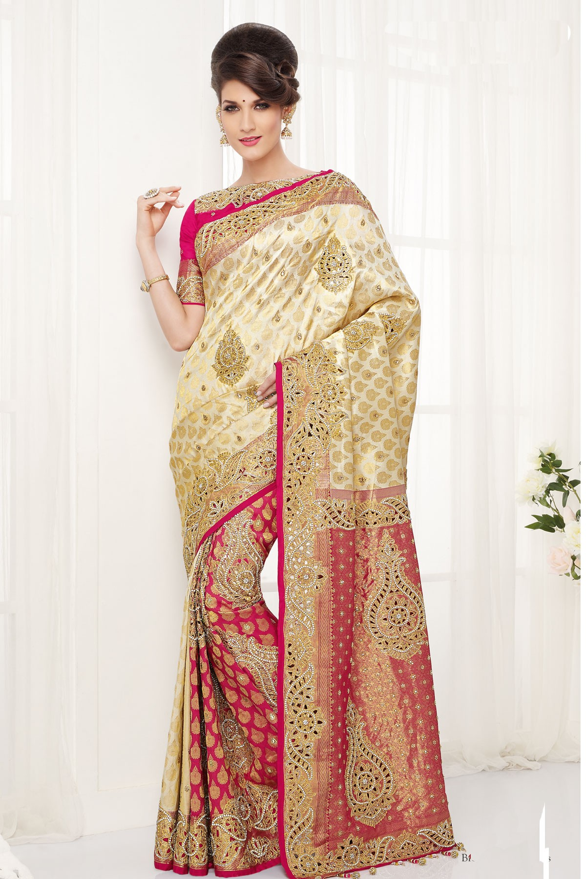 159acde80f47b ... silk zari weaved dashing saree with gold border. Product Large View ...